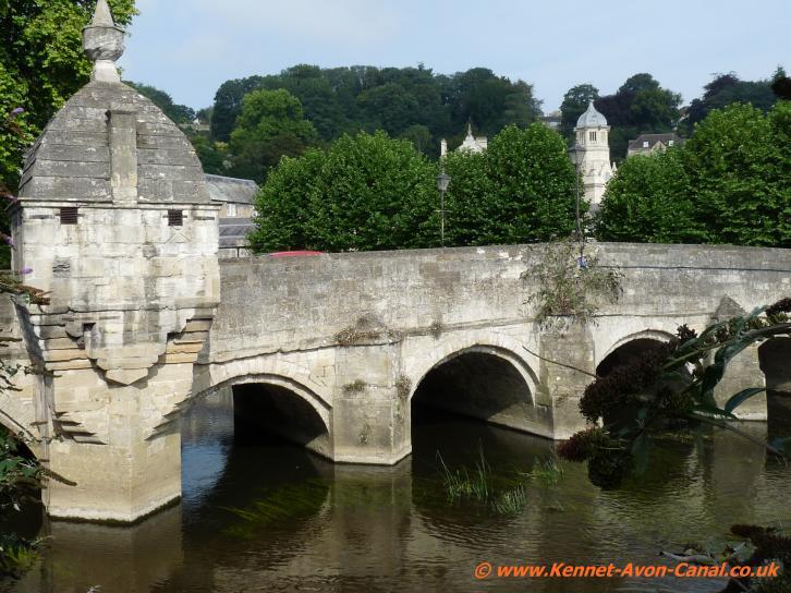 Kennet And Avon Canal Bradford On Avon Avoncliffe Aqueduct Bathampton